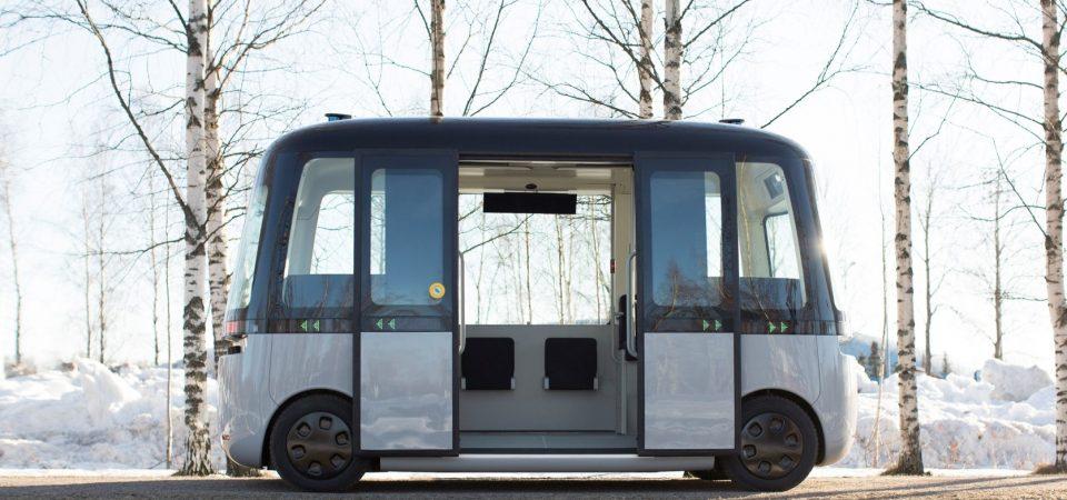 Primul autobuz robot din lume circulă cu anvelope Nokian Hakkapeliitta